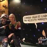 Sabina Villagra junto a Liniers en el Centro Cultural Borges.